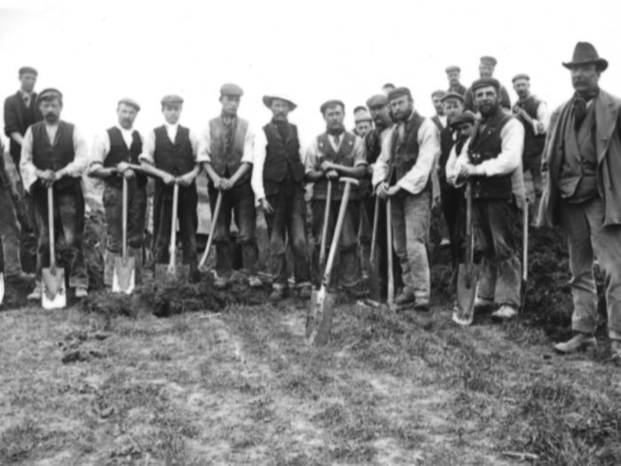 A gang of navvies near Haddenham