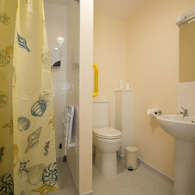 Abbeyfield En Suite 03