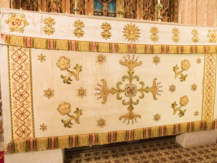 Altar Frontal 02