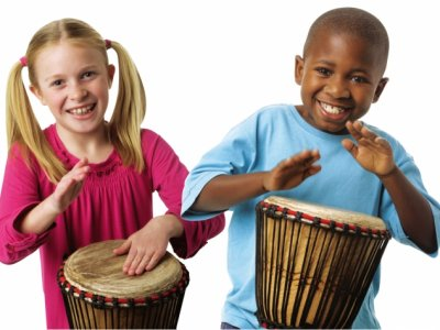 Children drumming 01