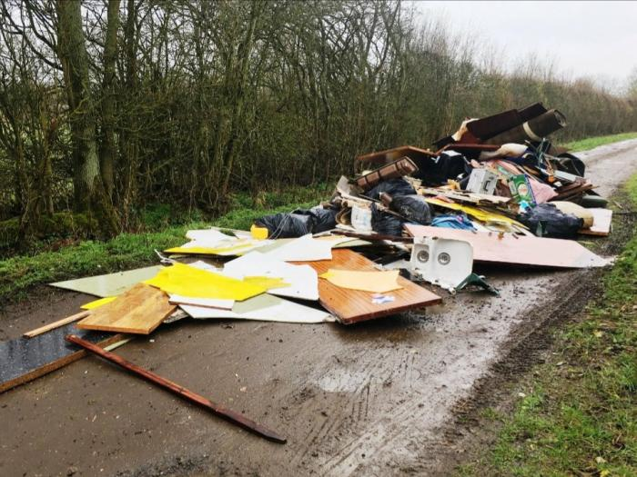 Fly Tipping Bucks 02