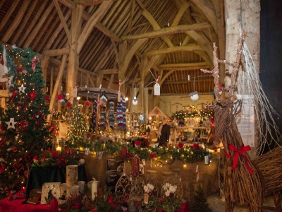 Tythe Barn at Christmas 01