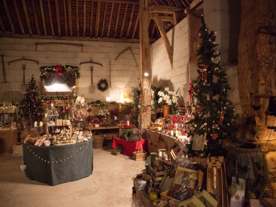 Tythe Barn at Christmas 05