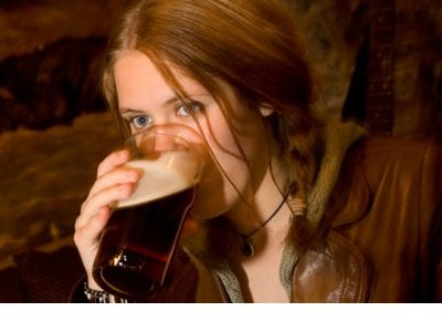 Woman-drinking-real-ale